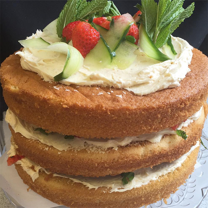 Strawberry and Pimms Cake
