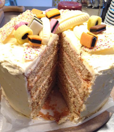 Banana & Custard Cake