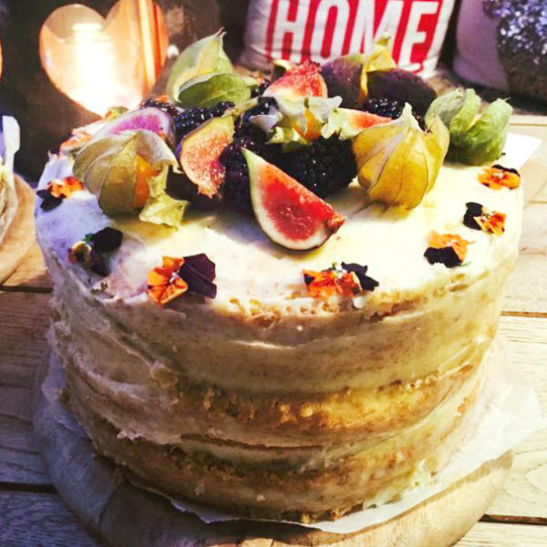 Vanilla Cake with Seasonal Fruit