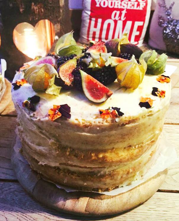 Vanilla Cake with Seasonal Fruit