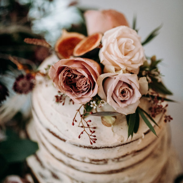 Fannys Fancies Semi-Naked Cake with Fresh Roses