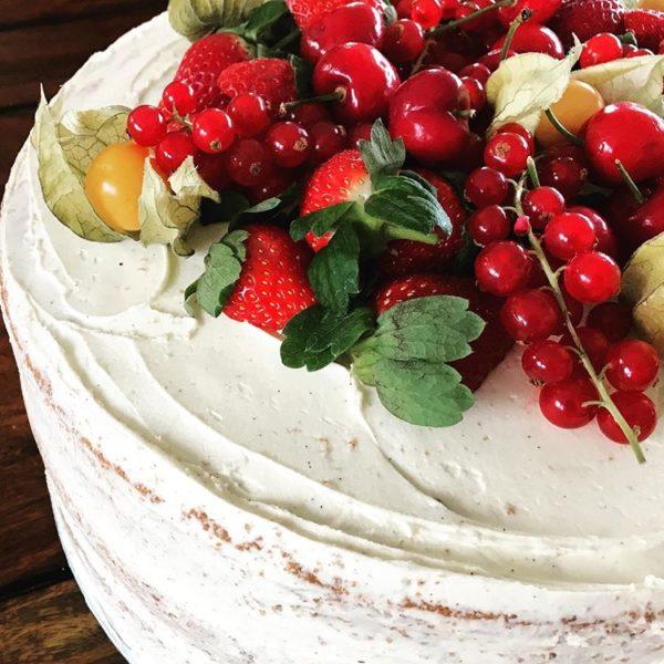 Victoria Semi-naked Cake with Seasonal Fruits